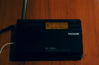 Tecsun PL-300WT pocket radio